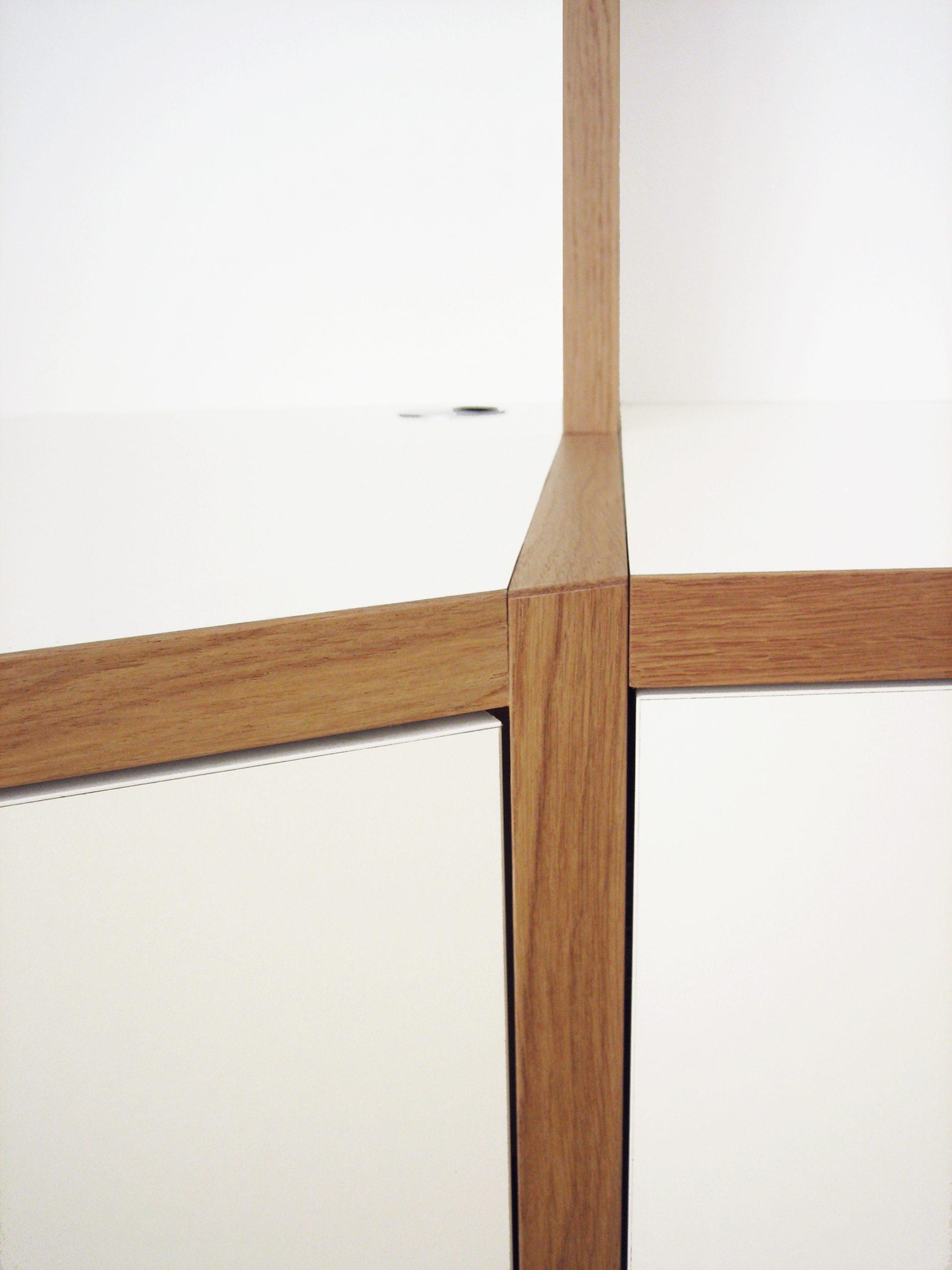 Detail maatwerk hout inbouwkast